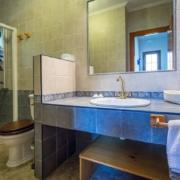 El Rincón del Duende - Apartamento Sobia - Baño lavabo rústico